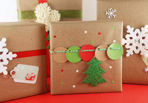 DIY Holiday Gift Wrapping | StellaBegonias