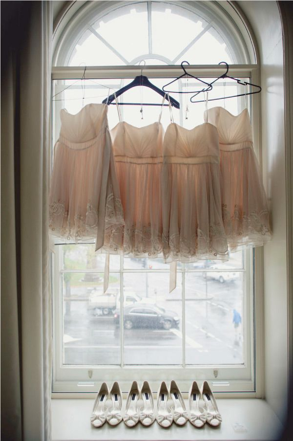 Short Bridesmaid Dresses - Not only are short bridesmaids dresses super fun and cute, but this picture is AMAZING!