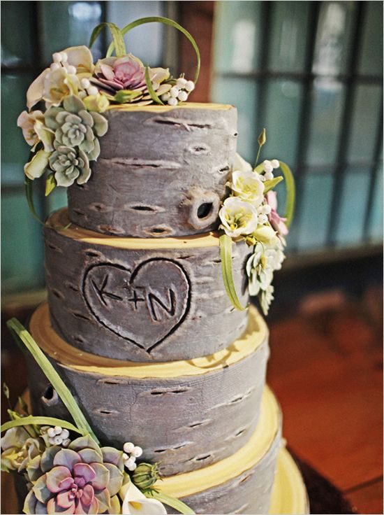 Tree Trunk Cake – Perfect for a garden wedding.